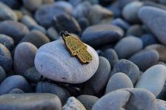 mano dell'amuleto di fortuna Fotografia Stock Libera da Diritti