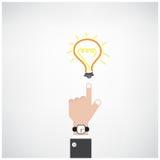 Mano dell'uomo d'affari con il segno della lampadina di scarabocchio Fotografia Stock