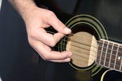 Mano della chitarra Fotografie Stock Libere da Diritti
