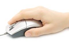 Mano della donna con il mouse del calcolatore Fotografia Stock Libera da Diritti