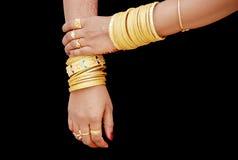 Mano della sposa indiana del sud Fotografie Stock Libere da Diritti