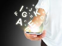 Mano di affari che scrive sullo Smart Phone Fotografia Stock