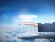 Mano di Businesswomans che presenta introduzione sul mercato del email fotografia stock libera da diritti