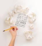 Mano di scrittura in carta sgualcita Fotografie Stock Libere da Diritti