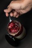Mano di vetro del fondo di Yam Strawberry Fotografie Stock Libere da Diritti