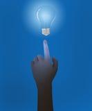 Mano e lampadine blu Fotografie Stock