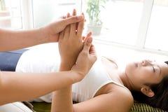 Mano e massaggio di ricezione pazienti delle barrette. Fotografia Stock Libera da Diritti