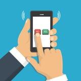 Mano, finger presionando los botones ningunos o sí en una pantalla móvil, app Foto de archivo