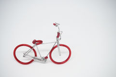 Mano-haga la bici modelo hecha del alambre fotografía de archivo