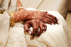 Mano india de la alheña de las novias Fotografía de archivo