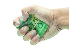 Mano maschio che tiene 100 cento natknotes Risparmio, soldi, donazione di finanza, dare e concetto di affari Isolato sul backgrou Immagine Stock Libera da Diritti
