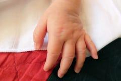 Mano neonata infantile Fotografia Stock Libera da Diritti