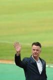 Mano que agita gaal de la furgoneta de Louis del jefe del Manchester United Foto de archivo