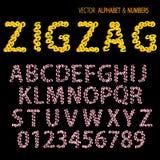 Mano que drena zigzag ornamental del alfabeto Foto de archivo