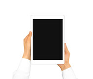 Mano que lleva a cabo mofa en blanco de la tableta para arriba aislada Nuevo scre portátil de la PC Fotografía de archivo