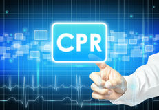 Mano que toca la muestra del CPR en la pantalla virtual Foto de archivo