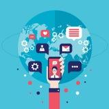 Mano social del hombre de negocios del concepto de la red con los elementos infographic elegantes móviles de la comunicación glob Fotos de archivo libres de regalías