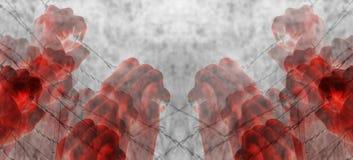 Mano torturata sanguinosa che afferra disperatamente filo spinato Immagine Stock Libera da Diritti