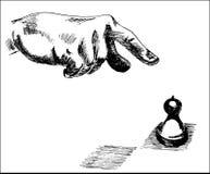 Mano umana che indica al pezzo del pegno di scacchi Fotografie Stock