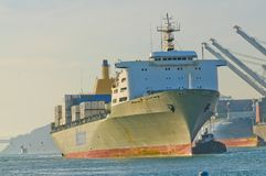 Manoa που εισάγει το λιμάνι στο Όουκλαντ στοκ εικόνες