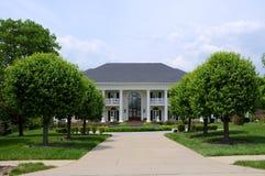 Manoir blanc de brique au Kentucky Etats-Unis Images libres de droits