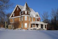 Manoir en hiver Image stock