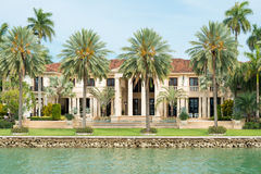 Manoir luxueux sur l'île d'étoile à Miami Photos stock