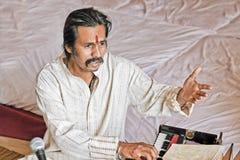 Manoj Desai репетируя приватную партию Стоковые Изображения