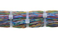 Manojo de cables con las ataduras de cables blancas Fotografía de archivo libre de regalías