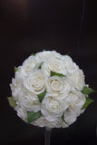 Manojo de flores de la rosa del blanco Foto de archivo