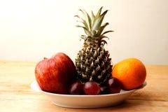 Manojo de frutas Fotos de archivo libres de regalías