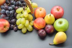 Manojo de frutas Imagenes de archivo