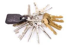 Manojo de llaves y de llavero de cuero Fotografía de archivo