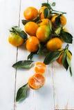 Manojo de mandarinas jugosas Fotos de archivo libres de regalías