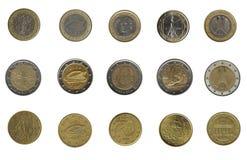 Manojo de monedas euro de cinco diversas naciones Foto de archivo