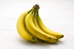 Manojo de plátanos maduros Imagen de archivo