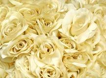 Manojo de rosas artificiales fotos de archivo libres de regalías