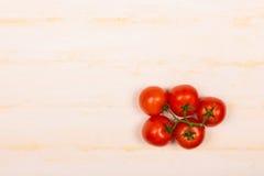 Manojo de tomates frescos Fotografía de archivo