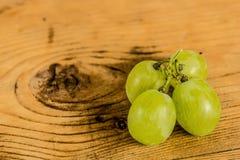 Manojo de uvas blancas Fotografía de archivo libre de regalías