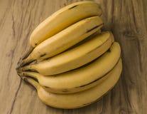 Manojo natural fresco del plátano Foto de archivo libre de regalías