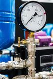 Manometer für das Messen installiert in Wasser- oder Gassysteme Stockfoto
