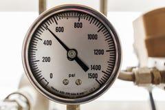 Manometer las vierzig P/in der Öl- und Gasoperation stockfotografie