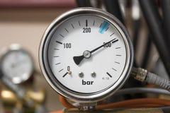 Manometre des Gassystems für feuerlöschendes Stockfoto