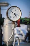 Manometro e pompa di olio della valvola Fotografie Stock Libere da Diritti