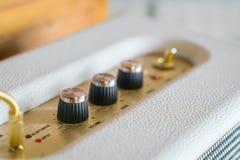 Manopola del controllo del volume dell'amplificatore ad alta fedeltà Immagine Stock