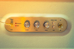 Manopola del controllo del volume dell'amplificatore ad alta fedeltà (Proc filtrato di immagine Fotografie Stock
