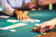Manos 2 del casino Fotos de archivo