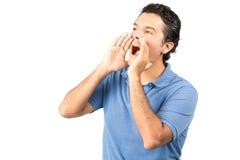 Manos ahuecadas masculinas de griterío H del Latino del perfil Fotografía de archivo libre de regalías