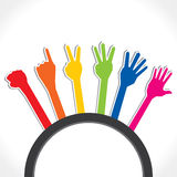 Manos coloridas que forman el número uno a cinco Imagen de archivo