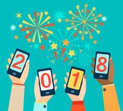 Manos con los móviles que muestran 2018 ilustración del vector